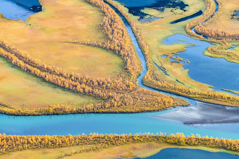 Verzweigter Fluss, Rapadalen, Lappland, Schweden